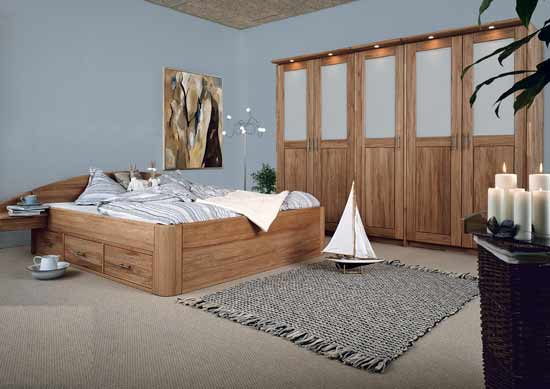 schlaf studio helm betten nachttisch kleiderschrank alles aus massivholz. Black Bedroom Furniture Sets. Home Design Ideas
